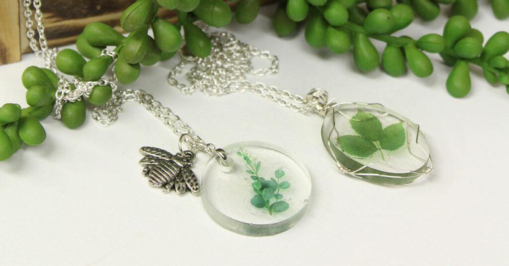 Resin Leaf Pendant Idea
